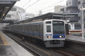 2011年6月28日 6時42分頃、東長崎、6114Fの準急 飯能ゆき(16M運用)