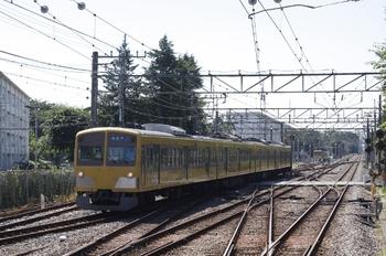 2011年7月16日、萩山、電留線から1番ホームへ進む1261F。