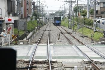 2011年7月18日 13時ころ、新井薬師前駅を通過中の下り列車から