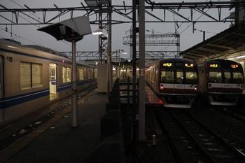 2011年8月7日 18時ころ、西所沢、2時間近く続いた3本の並び。