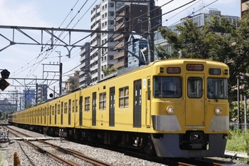 2011年8月30日、高田馬場~下落合、2021F+2527Fの3308レ由来の急行。