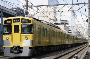 2011年8月31日、高田馬場~下落合、2451F+2065Fの2805レ。
