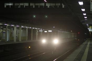 2011年9月9日 21時20分頃、仏子、中線に到着する4017Fの下り回送。