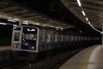 2011年9月15日 20時0分頃、入間市、6112Fの上り回送列車(40M運用)。