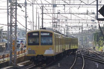 2011年9月16日 6時42分頃、西所沢、4番ホームから引き上げ線へ向かう1241Fの回送列車。