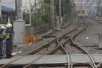 2011年10月9日 6時27分頃、大泉学園~保谷、人身事故に遭遇し駅間に停車した5206レ。
