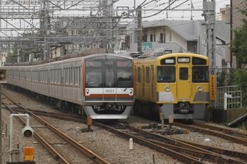 2011年10月23日 10時13分、西所沢、メトロ10023Fの下り回送列車(04M運用)。