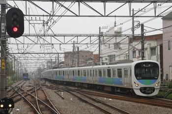 2011年11月6日 12時31分頃、小平、38105Fの拝島方面ゆき回送列車。