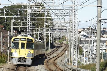 2011年11月25日 10時15分頃、西所沢、2525Fの下り回送列車。