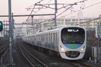 2011年12月11日、中村橋、4302レの38110F+32101F。