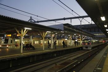 2011年12月24日 16時50分頃、所沢、抑止中の128レ(10112F)。