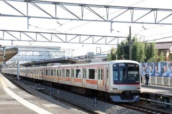 2020年11月3日。西所沢。1番ホームへ到着する東急4107Fの快速 7311レ。