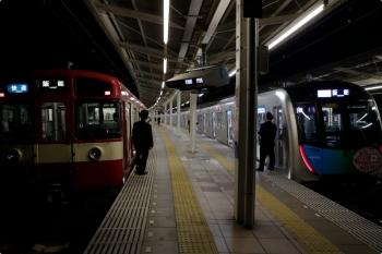 2020年11月15日。入間市。40152Fの1715レ(14M運用)と9103F(京急)の3105レ。
