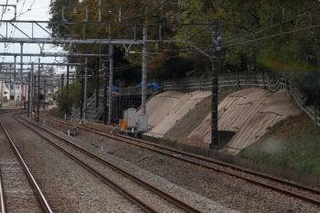 2020年11月29日。秋津〜所沢駅間。右端の線路はJR新秋津駅へ至る連絡線。
