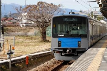 2020年11月29日 11時16分ころ。元加治。2132レの直前に通過した20106Fの下り回送列車。