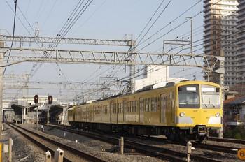 12012年4月13日 6時39分頃、小手指、1番ホームから発車した285F+281Fの上り回送列車。