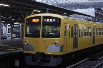 2012年4月23日、所沢、手前が295F+1303Fの2604レ。