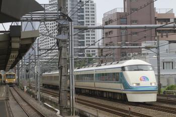 2012年6月17日、高田馬場、東武108Fの1063M。