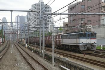 2012年6月17日、高田馬場、EF65-2084ほかの2077レ。