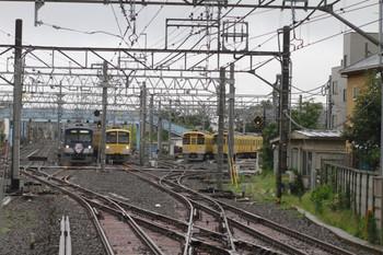 2012年7月8日、保谷、中央奥が1309Fの2110レ。