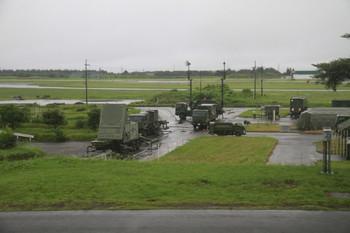 2012年7月8日、武蔵藤沢~稲荷山公園、車内から見た航空自衛隊入間基地。