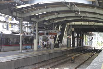 2012年7月15日 10時20分頃、ひばりが丘、到着する10110Fの下り回送列車。
