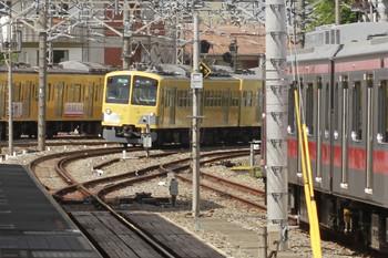 2012年8月8日 13時55分頃、所沢、奥が295F+1303Fの4131レ。