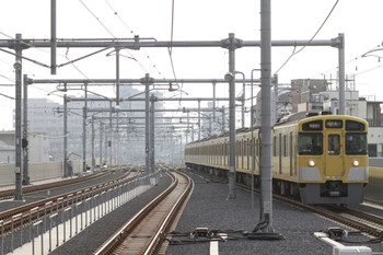 2012年10月27日、石神井公園、2063Fの1003レ。