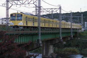 2012年11月10日、仏子~元加治、1303Fの2139レ。