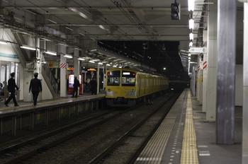 2012年11月30日 21時40分ころ、小手指、3番ホームに停車中の263F回送列車。