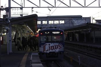 2012年12月26日、西所沢、到着した6106レの3015F。