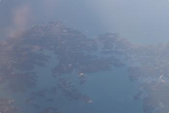 2020年12月10日 10時27分ころ。乗ってた飛行機が、浜名湖上空をかすめ海に出て、再び陸地の上に来たあたりです。鳥羽市あたりでしょうか。
