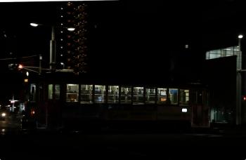 2020年12月10日 18時46分ころ。高知駅前〜高知橋。211の高知駅ゆき。
