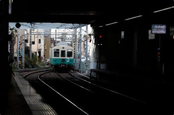 2020年12月11日 15時14分ころ。瓦町。築港方から長尾線3番ホームへ入る1251+1252の回送列車。