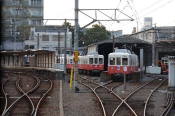 2020年12月11日 16時27分ころ。今橋。瓦町ゆきから見た、元・名古屋市営地下鉄の700形がたむろする今橋検車区。