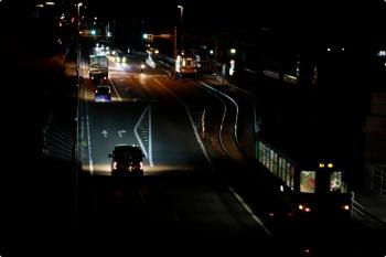 2020年12月11日 6時6分ころ。伊野商業前〜北内。701が北内で停車したので、続行の626と1枚に収まりました。