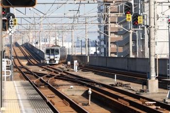 2020年12月11日 11時9分ころ。宇多津。高松からやって来た8000系の特急 いしづち7号。