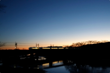 2020年12月20日 6時17分頃。仏子〜元加治。001系の下り回送列車。