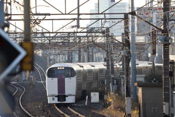 2020年12月29日 7時52分頃。武蔵小杉。215系の3726M「湘南ライナー 6号」。