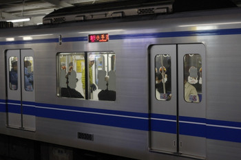 2013年3月6日、西所沢、2255レの20306側面。