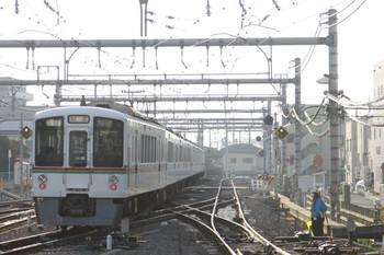 2013年3月16日 7時6分頃、飯能、発車した4015F+4011Fの上り回送列車。
