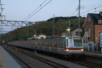 2013年4月13日、仏子、メトロ7028Fの3701レ。