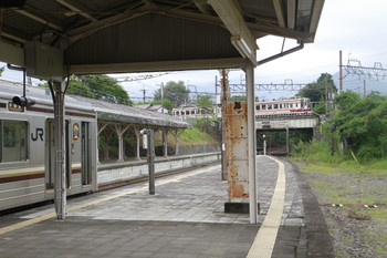 2013年8月18日、JR日光駅、構内の端を東武の線路が走ってます。