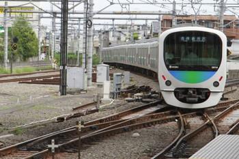 2013年8月24日 9時43分頃、所沢、4番ホームから発車した新所沢ゆきの臨時の各停。