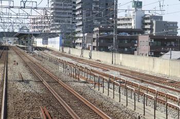 2013年8月28日、下り急行線を走る列車の最前部から撮影、練馬高野台駅の池袋方の上り線。