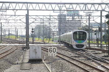 2013年10月12日、所沢、新宿線から池袋線に入る7601レの38111F。