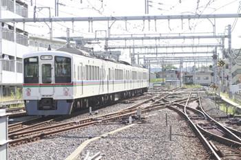 2013年10月13日、9時3分頃、飯能、各停 東飯能ゆき下り臨時列車。