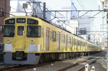 12014年1月12日、高田馬場~下落合、2451F+2025Fの5617レ。