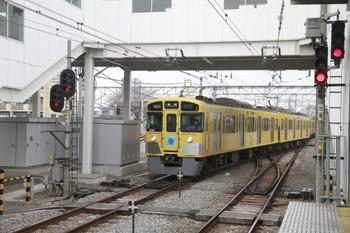 2014年1月25日 14時20分頃、所沢、池袋方から3番ホームへ入る2135レと思われる9108Fの下り列車。
