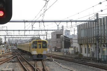 2014年1月26日 11時29分頃、飯能、2・3番ホームから発車した2077Fの上り回送列車。